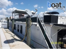 Catamaran Cruisers 62 Houseboat