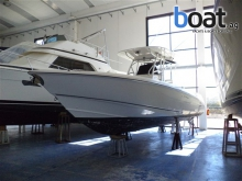 Boston Whaler OUTRAGE 320